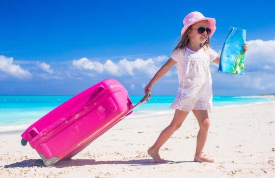 Obowiązkowy, wakacyjny zestaw dla małego podróżnika