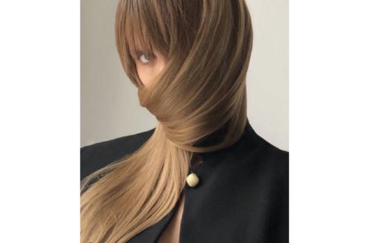 Jak przywrócić włosom gęstość i blask?