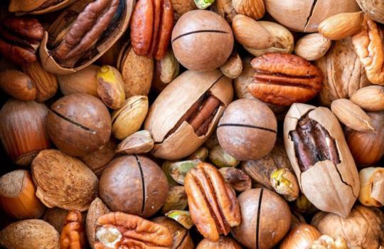 Dieta ketogeniczna – dlaczego warto zastępować węglowodany tłuszczami?