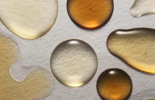 Naturalne olejki do aromaterapii, czyli sposób na wyciszenie ciała i umysłu